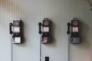 old-phones-telephones