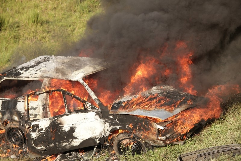car-burning-wreck-fire-accident-danger-flame