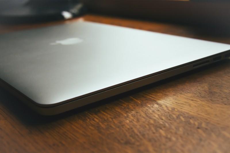 macbook-pro-on-a-desk