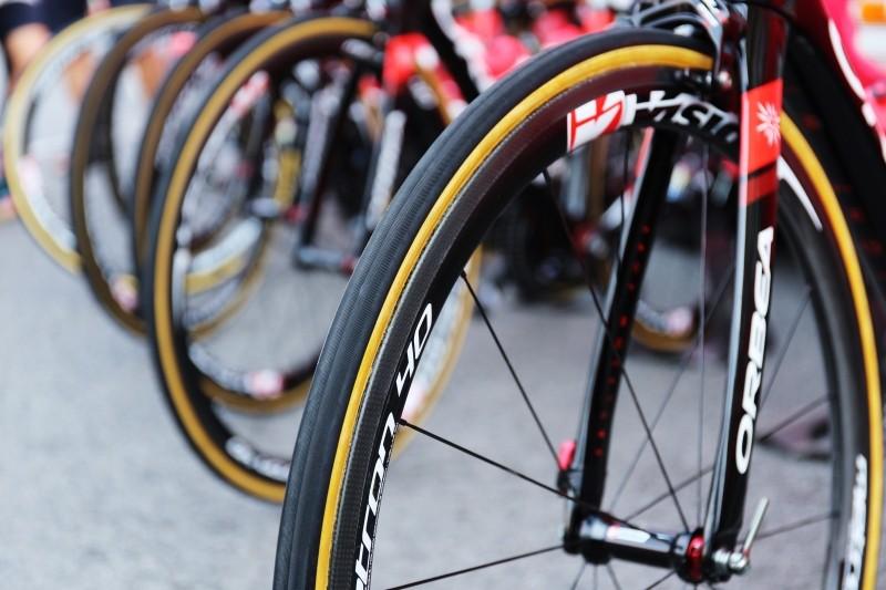 tire-spoke-bike